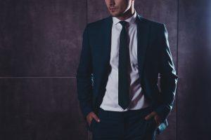 Men dressing yourage