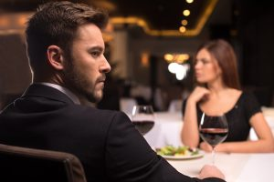 5 Red Flags Men Shouldn't Ignore on a Date